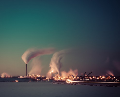 Tar Sands operation in Fort McMurray, Canada. The mere mention of a carbon budget has been seen as too sensitive to be in any international agreement, yet a new formula suggests it may actually help achieve a fair global deal. Photo:  Kris Krüg/CC BY-NC-ND 2.0